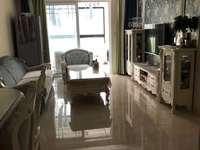 盛世御景; 三室两厅双阳台,简欧风格豪装,有地暖,一线品牌全屋私人定制,品牌家电