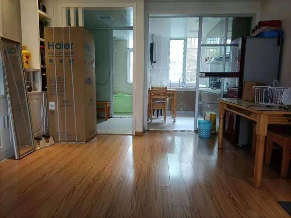江南书苑 2楼 精装1900月租 4台空调